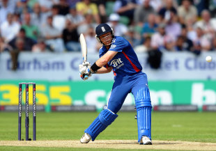 Ian Bell started brightly, England v Australia, 4th ODI, Chester-le-Street, July 7, 2012