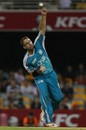 Daniel Vettori sends down a delivery, Brisbane Heat v Sydney Thunder, BBL, Brisbane, January 17, 2012