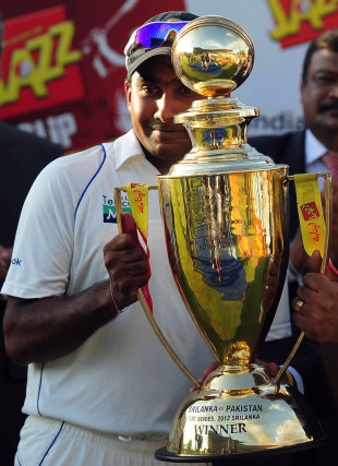 Mahela Jayawardene with the series title, Sri Lanka v Pakistan, 3rd Test, Pallekele, 5th day, July 12, 2012