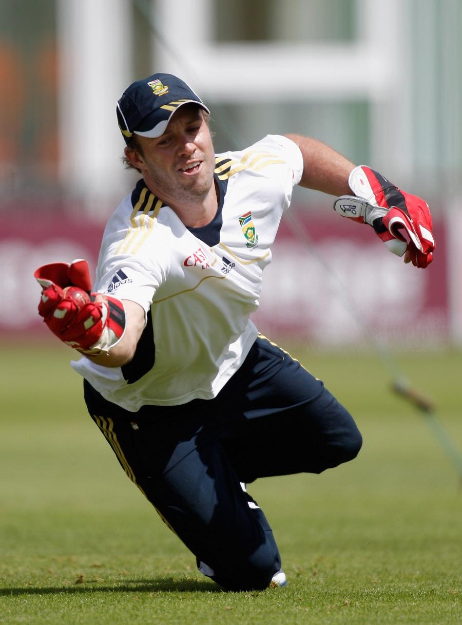 147327 - De Villiers in doubt for Australia tour