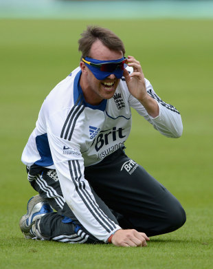 Graeme Swann tries a new training technique, The Oval, July 17, 2012