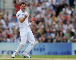 James Anderson got the early wicket of Alviro Petersen, England v South Africa, 1st Investec Test, The Oval,  2nd day, July 20, 2012
