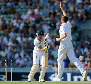 Morne Morkel removed Kevin Pietersen's middle stump, England v South Africa, 1st Investec Test, The Oval, 4th day, July, 22, 2012