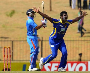 Thisara Perera picked up the dangerous Virat Kohli early, Sri Lanka v India, 2nd ODI Hambantota, July 24, 2012