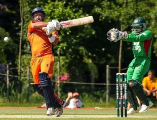 Michael Swart scored 61 in Netherlands' one-run victory against Bangladesh in The Hague