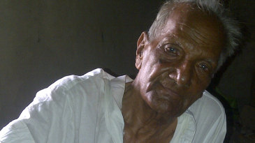 Eighty-five-year-old Israr Ali, Pakistan's oldest living Test cricketer