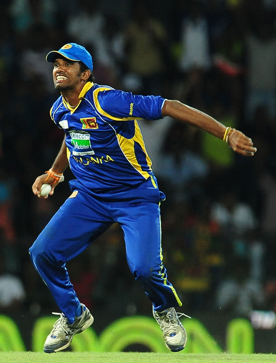 Sachithra Senanayake took out Virender Sehwag with a sharp catch