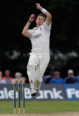 Boyd Rankin did not have a productive day with the ball, County Championship, Division One, Uxbridge, 1st day, August 1, 2012