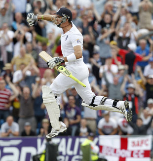 Kevin Pietersen celebrates his thrilling hundred, England v South Africa, 2nd Investec Test, Headingley, 3rd day, August 4, 2012