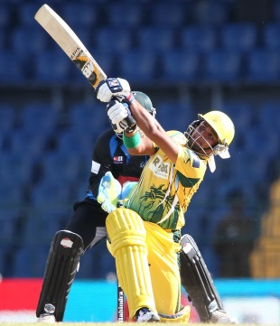 Imran Farhat goes for a slog sweep, Uthura v Wayamba, SLPL 2012, Colombo, August, 12