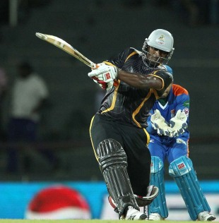 Thisara Perera slogs on his way to a 33-ball 72, Kandurata Warriors v Nagenahira Nagas, SLPL, Colombo, August 13, 2012