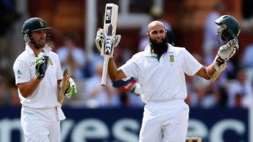 AB de Villiers applauds Hashim Amla's century