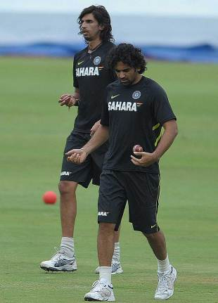 Ishant Sharma could be selected for the Pakistan ODIs if Zaheer Khan is not