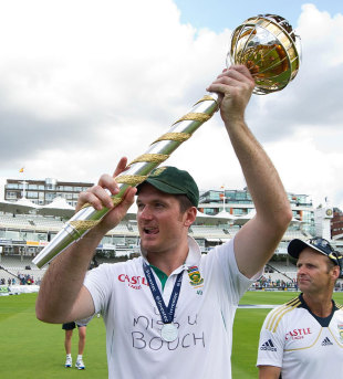 Graeme Smith led South Africa to the No. 1 spot in Tests