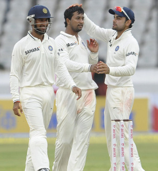 Pragyan Ojha with his team-mates after taking a wicket, India v New Zealand, 1st Test, Hyderabad, 2nd day, August 24, 2012