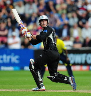 Craig Kieswetter guided Somerset with an unbeaten 63, Hampshire v Somerset, Friends Life t20 semi-final, Cardiff, August 25, 2012