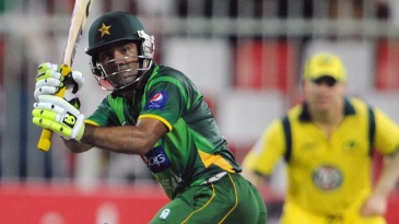 Asad Shafiq held the Pakistan innings together