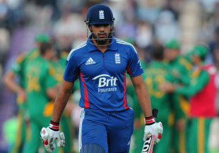 Ravi Bopara walks off after making 16, England v South Africa, 2nd NatWest ODI, West End, August 28, 2012