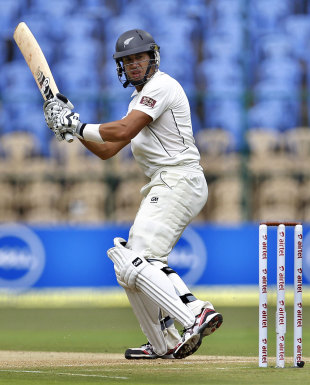 Ross Taylor counterattacked in the second session, India v New Zealand, 2nd Test, Bangalore, 1st day, August 31, 2012