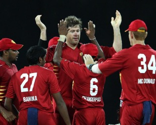 Jacob Oram celebrates a wicket with his team-mates, Uva v Nagenahira, SLPL, final, Colombo, August 31, 2012