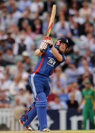 Eoin Morgan lofts down the ground, England v South Africa, 3rd NatWest ODI, The Oval, August 31, 2012