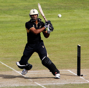 Varun Chopra's hundred anchored Warwickshire's total, Lancashire v Warwickshire, CB40 semi-final, Old Trafford, September 1, 2012