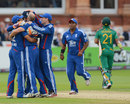 Craig Kieswetter is congratulated after his stumping of JP Duminy