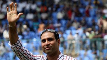 VVS Laxman waves to the Bangalore crowd