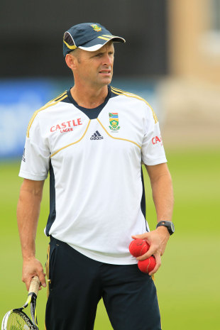 South Africa coach Gary Kirsten leads catching drills, Nottingham, September, 4, 2012