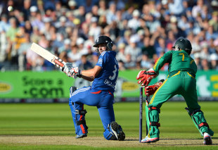 Chris Woakes made useful lower-order runs, England v South Africa, 5th NatWest ODI, Trent Bridge, September, 5, 2012