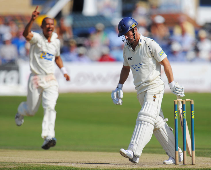Alfonso Thomas ends Murray Goodwin's last innings as a Sussex batsman