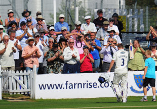 Murray Goodwin leaves the field after his last innings for Sussex