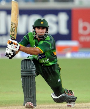 Nasir Jamshed plays a drive, Pakistan v Australia, 2nd T20I, Dubai, September 7, 2012