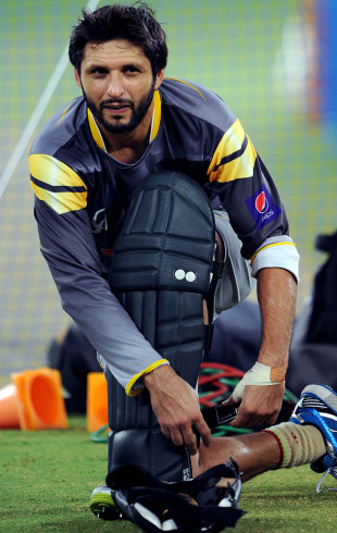 Shahid Afridi pads up, Dubai, September 9, 2012
