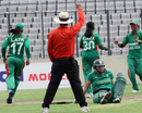 Sunette Loubser is run out, Bangladesh Women v South Africa Women, 1st T20I, Dhaka, September 11, 2012