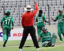 Sunette Loubser is run out, Bangladesh Women v South Africa Women, 1st T20I, Dhaka, September 11, 2012
