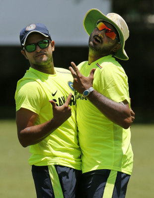 Suresh Raina and Harbhajan Singh have some fun at practice, World Twenty20 2012, Colombo, September 13, 2012