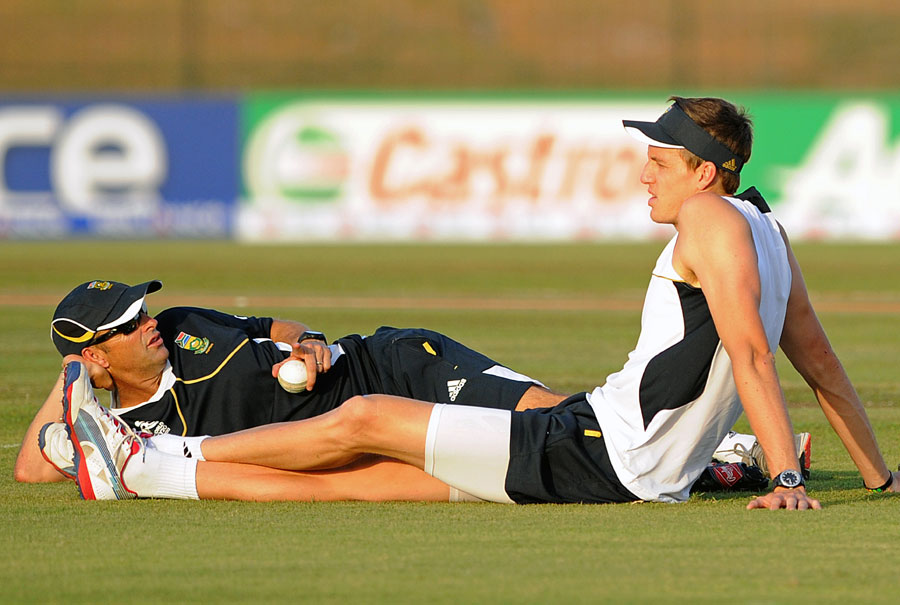 Gary Kirsten and Morne Morkel relax ahead of South Africa's first game in the World T20