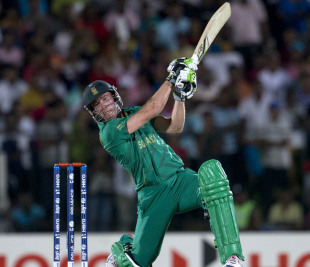 AB de Villiers attempts to smash a delivery, Sri Lanka v South Africa, World Twenty20 2012, Group C, Hambantota, September 22, 2012