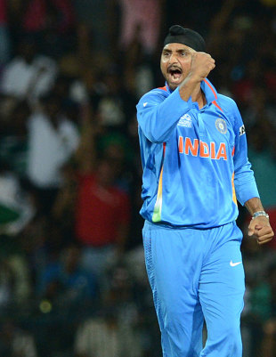 Harbhajan Singh took 4 for 12 on his international comeback, England v India, World Twenty20, Group A, Colombo