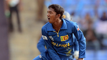 Akila Dananjaya struck in his first over