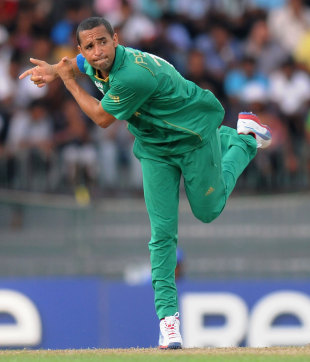 Robin Peterson finished with superb figures of 4-1-15-2, Pakistan v South Africa, World Twenty 20 2012, Super Eights, Colombo, September 28, 2012