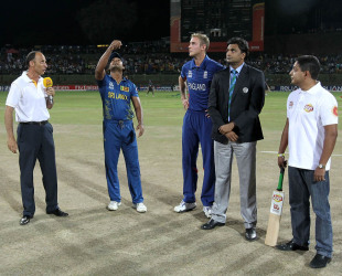 Kumar Sangakkara and Stuart Broad at the toss, Sri Lanka v England, Super Eights, World Twenty20, Pallekele, October 1, 2012