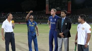 Kumar Sangakkara and Stuart Broad at the toss