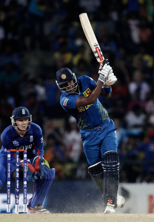 Angelo Mathews smashed 28 in 19 balls, Sri Lanka v England, Super Eights, World Twenty20, Pallekele, October 1, 2012