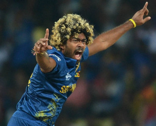 Lasith Malinga appeals, Sri Lanka v England, Super Eights, World Twenty20, Pallekele, October 1, 2012