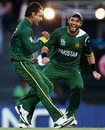 Mohammad Hafeez is delighted after picking up David Warner's wicket