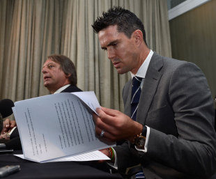 Kevin Pietersen checks his notes, Colombo, October 3, 2012