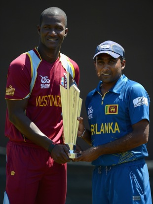 Darren Sammy and Mahela Jayawardene pose with the trophy, Colombo, October 6, 2012
