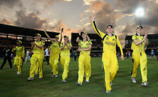 Australia Women do a lap of honour, Australia v England, final, Women's World Twenty20, Colombo, October 7, 2012